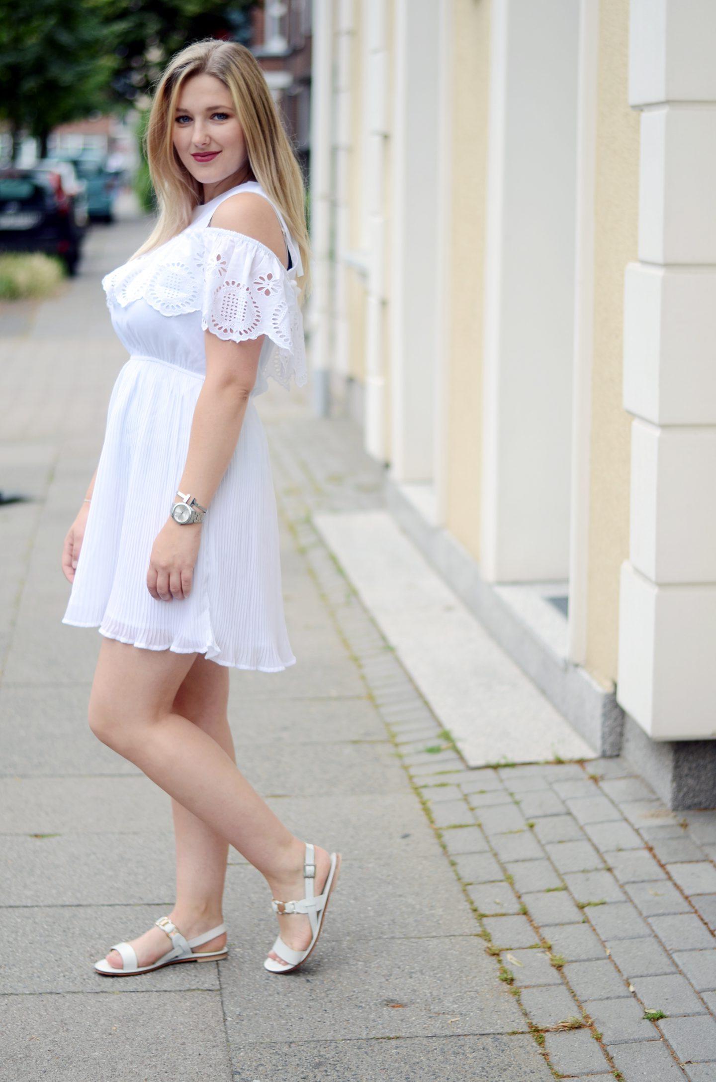 EMU-Sandalen-all-white-look