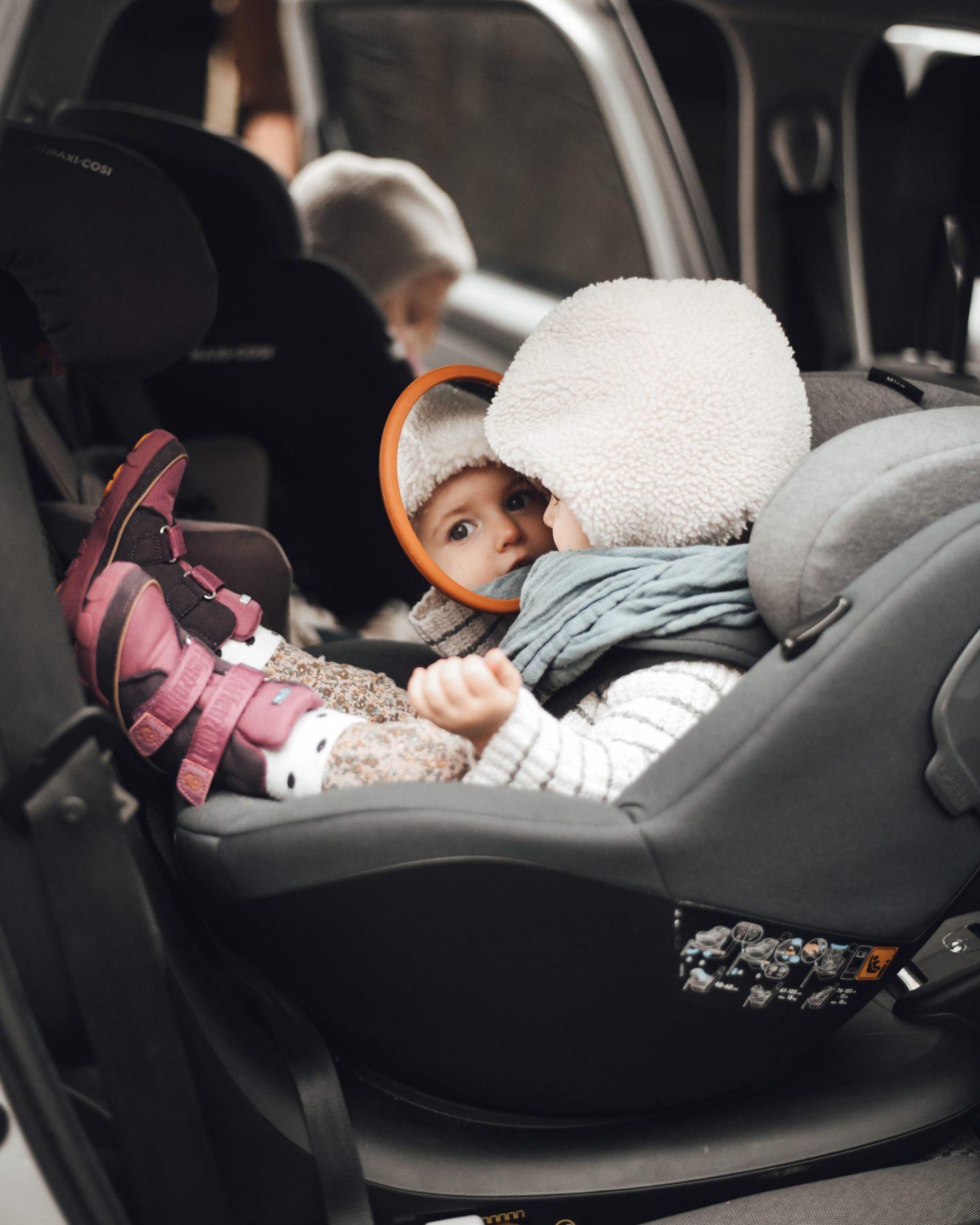 Maxi-Cosi-auto-fahren-mit-kindern